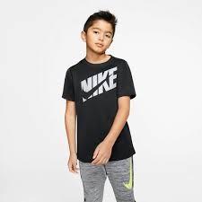 NIKE Jongens T-shirt - zwart
